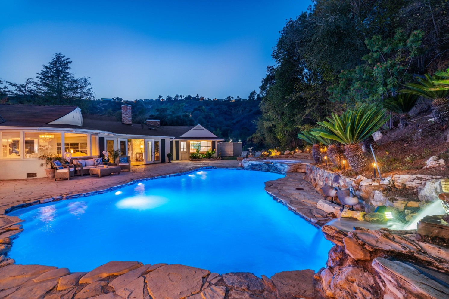 2660-BENEDICT-CANYON-BEVERLY-HILLS