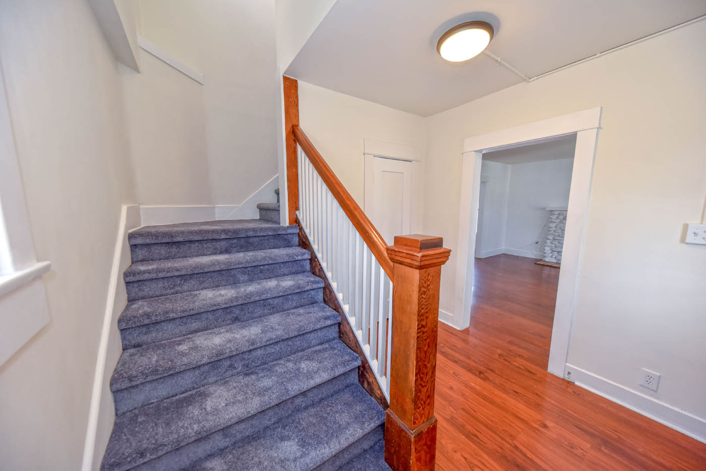 2865 S Corning St Los Angeles Roger Perry Real Estate Broker
