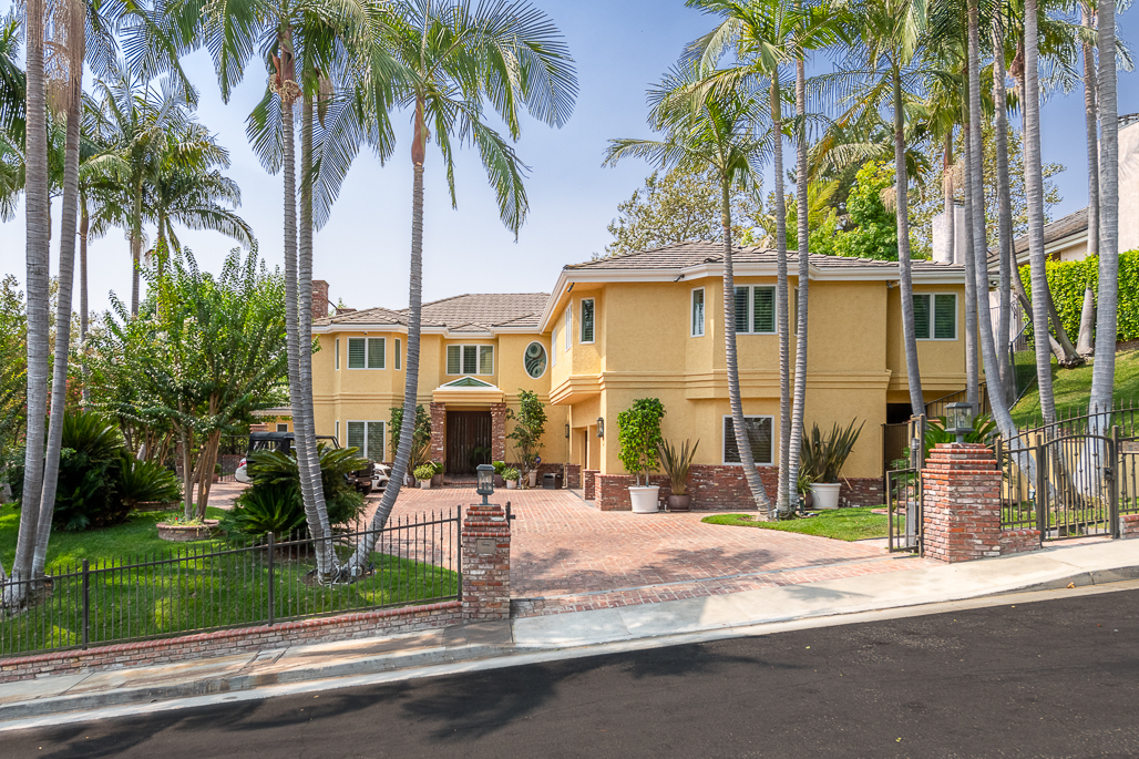Single Family Home for Sale BEVERLY HILLS